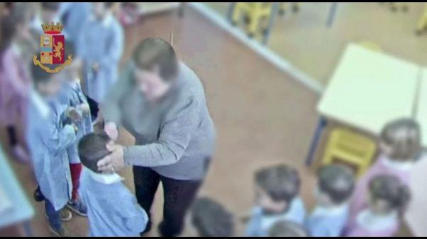 Maltratta piccoli, sospesa maestra asilo
