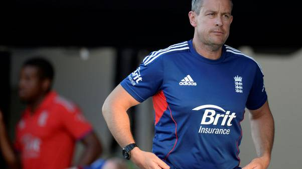 Giles replaces Strauss as England's new director of cricket