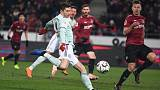 Rejuvenated Bayern crush Hanover to close in on top spot
