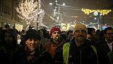Des milliers de manifestants défilent contre le président serbe Vucic