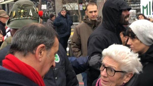 Milano, Sala contestato da antagonisti