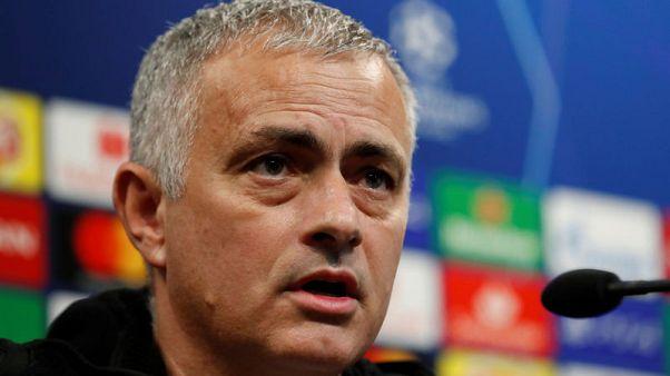 Mourinho bemoans United's lack of physicality