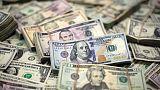 الدولار يهبط وسط توقعات في السوق بنبرة حذرة من المركزي الأمريكي