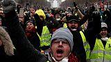فوضى على طرق فرنسا بعد إحراق محتجين لأكشاك دفع رسوم