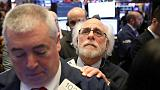 الأسهم الأمريكية تهبط بفعل خطط مجلس الاحتياطي لتشديد السياسة النقدية