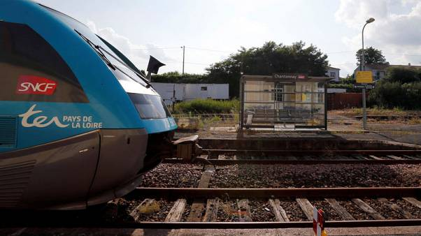 French state railway to axe more than 2,000 jobs in 2019