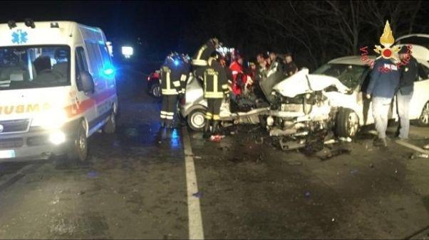 Scontro tra auto suv, morti due giovani