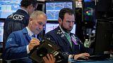 الأسهم الأمريكية تفتح منخفضة وسط خيبة أمل بشأن المركزي