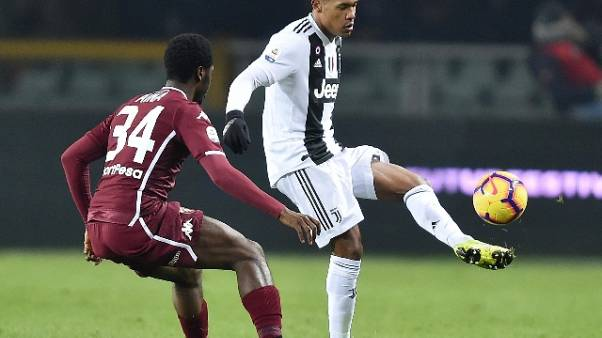 Juve: Alex Sandro rinnova fino al 2023