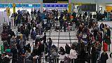 إعادة فتح مطار جاتويك البريطاني بعد ارتباك بسبب طائرات مسيرة