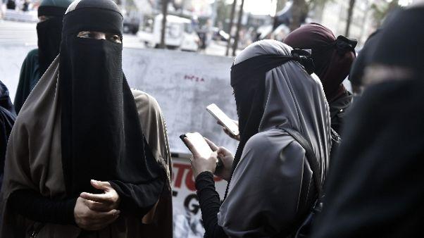Via norma anti-burqa, revocata ordinanza