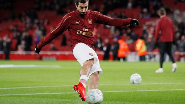Arsenal's Mkhitaryan out for six weeks with broken foot