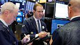 موجة البيع في الأسهم الأمريكية تتفاقم مع تشكيل مجموعة أزمة