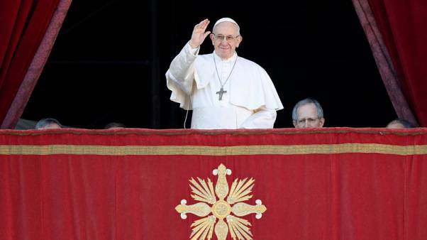See differences as asset, not danger, pope says in Christmas message