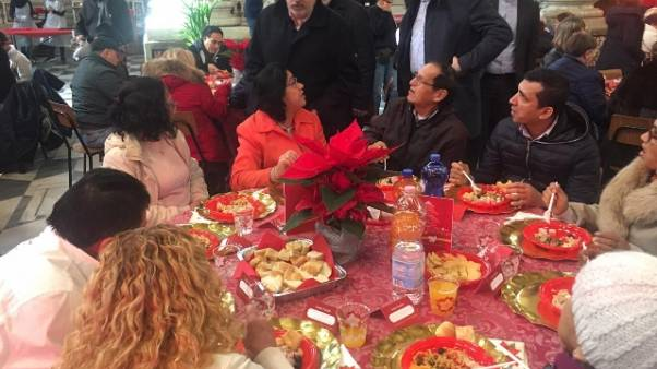 Sindaco Bucci a pranzo Natale S.Egidio