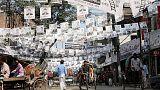 شبان ملثمون يهاجمون صحفيين يغطون الحملة الانتخابية في بنجلادش