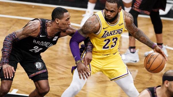 Nba: infortunio all'inguine per LeBron
