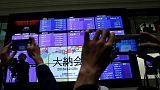 المؤشر نيكي الياباني يغلق منخفضا ويسجل أول خسارة سنوية منذ 2011