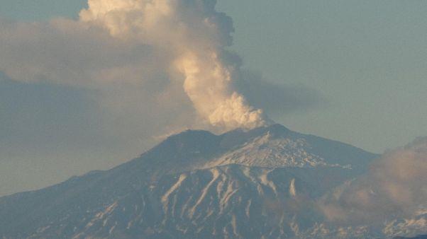 Nessun collegamento tra Etna e Stroboli