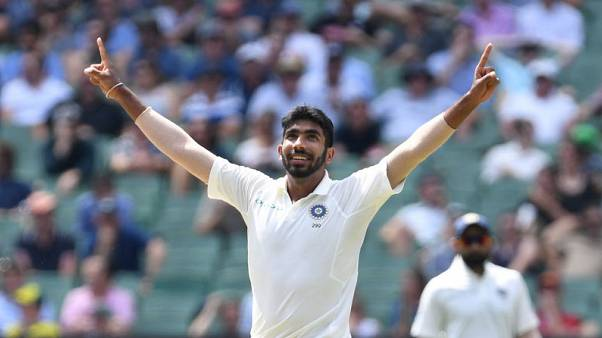 India strike twice after setting Australia 399 to win