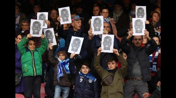 Tifosi Napoli con 'maschere' Koulibaly