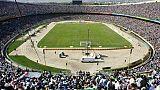 vue générale du Stade Azadi à Téhéran le 24 août 2001