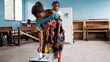 مدينة موبوءة بالإيبولا في الكونجو تنظم محاكاة للانتخابات احتجاجا على حظر التصويت