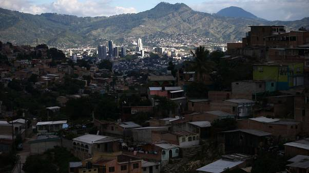 Violence, gangs cast pall over life in Honduras