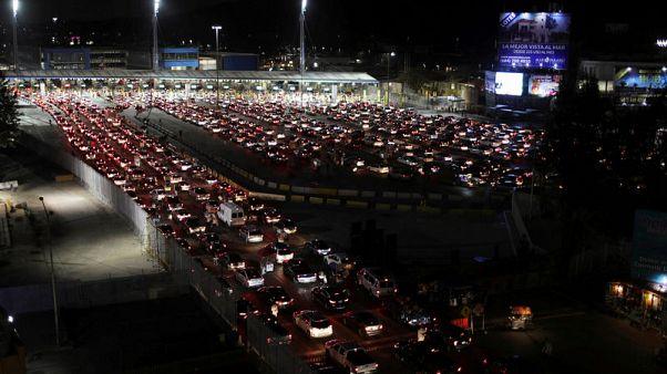Mexican president decrees tax cuts for U.S. border region