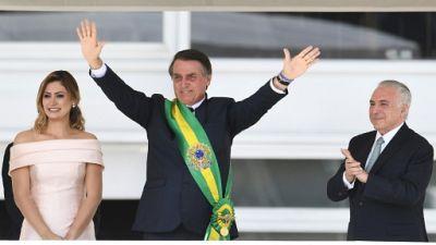 """Le président Bolsonaro promet de """"rétablir l'ordre"""" au Brésil"""