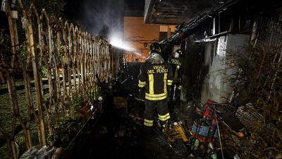 Decine cassonetti in fiamme a Roma