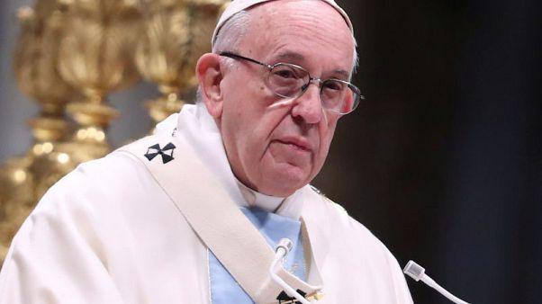 البابا يتحسر على تقطع أواصر العالم ويسهب في مزايا الاتحاد