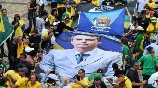 """Les Bolsonaristes saluent l'arrivée au pouvoir du """"Mythe"""""""