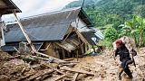 انهيارات أرضية تودي بحياة 15 على الأقل في إندونيسيا