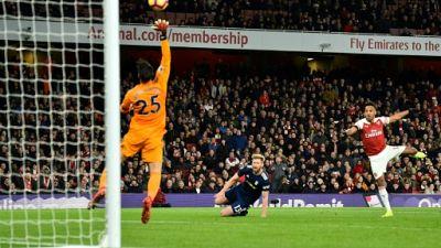 Angleterre: Arsenal et Tottenham se rassurent avant le choc City-Liverpool