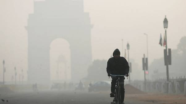 ضباب دخاني سام يغلف نيودلهي مع ارتفاع مستوى التلوث