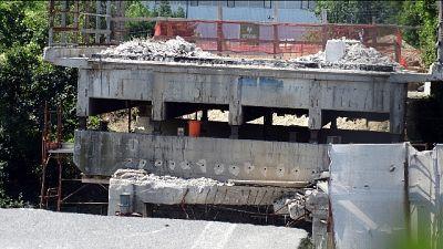 Consulente, rotazione e crollo ponte A14