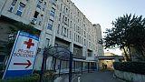 Formiche su volto donna ospedale Napoli