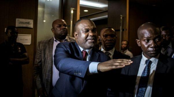 Le président de la Céni Corneille Nangaa (au centre) le 2 janvier 2019