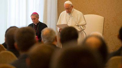 Papa: coperture abusi minato credibilità
