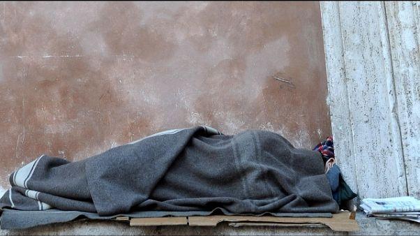 Clochard trovato morto in roggia a Lodi
