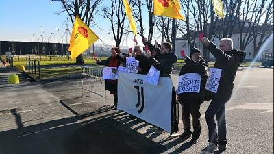 Supercoppa: flash mob Radicali a Torino