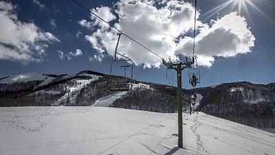 Cade con sci, grave ragazzo di 14 anni