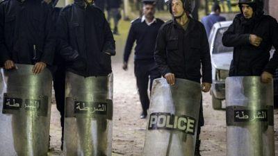 Egypte: un policier tué en tentant de désamorcer une bombe devant une église