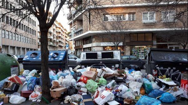 Rifiuti: Presidi, scuole Roma aperte