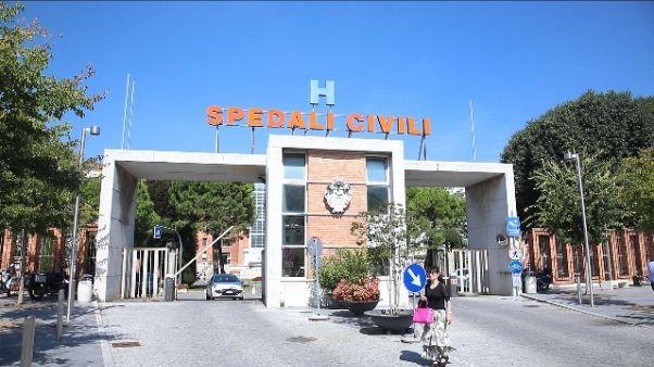 Neonato morto a Brescia, atti in Procura