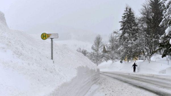 Forts cumuls de neige en Autriche, cinq randonneurs décédés