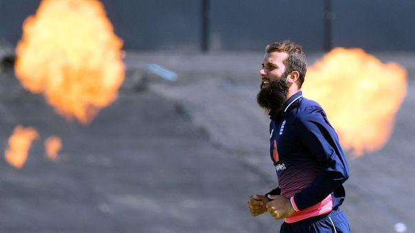 Guptill catch helps New Zealand sweep ODI series against Sri Lanka