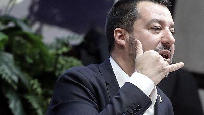 Migranti-reddito, Salvini minaccia crisi