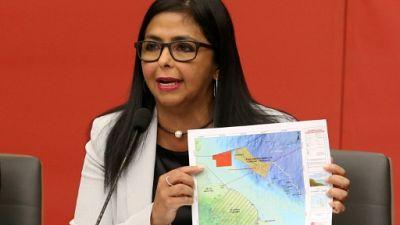 """Caracas juge """"illégitimes"""" les sanctions financières américaines"""